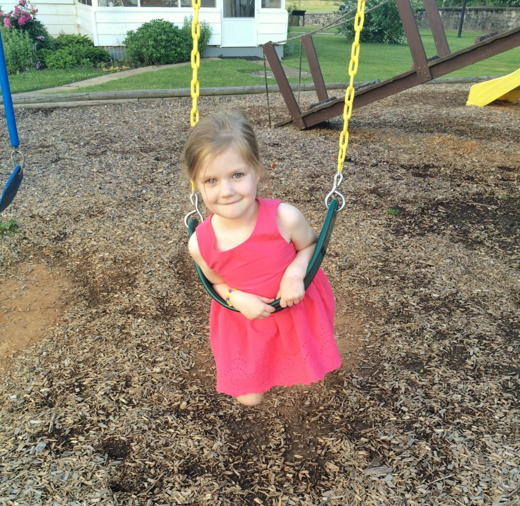 Jilli on swing